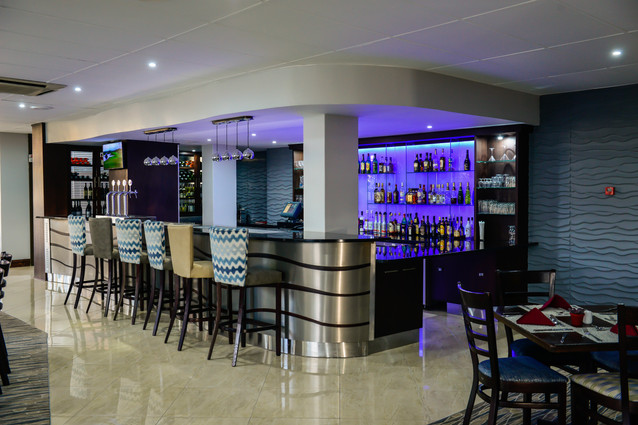 Trevallys Bar (2).jpg
