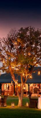 karoo-lodge-lawn-dinner-lanterns-samara-