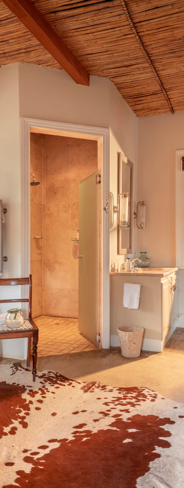 karoo-lodge-karoo-suite-bathroom-samara-