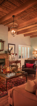 karoo-lodge-living-room-fireplace-drinks