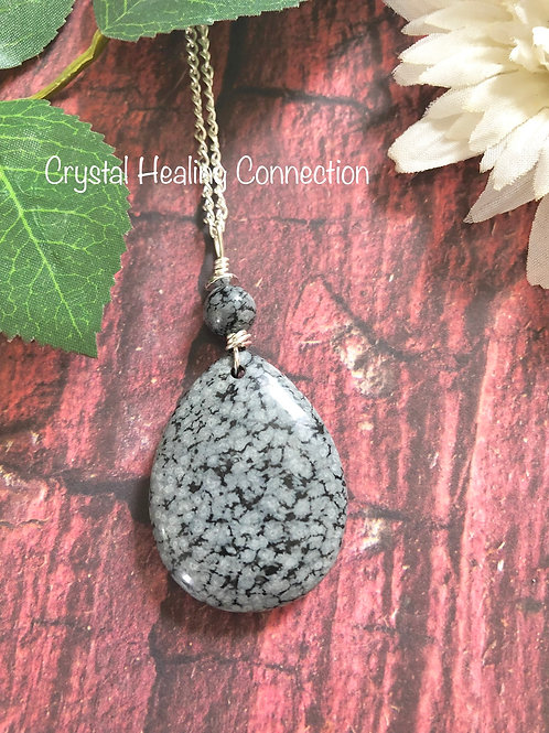 Snowflake Obsidian Beaded Oval Necklace