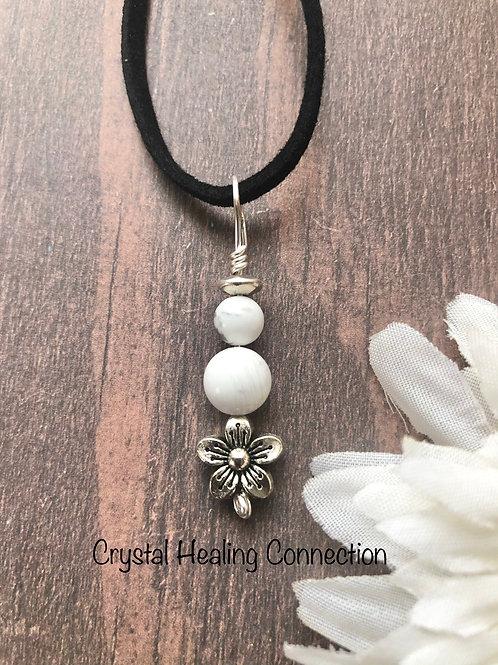 Howlite 2 Bead Flower Necklace