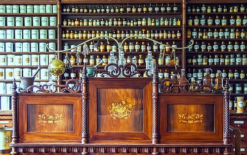 pharmacy-1507122_960_720.jpg