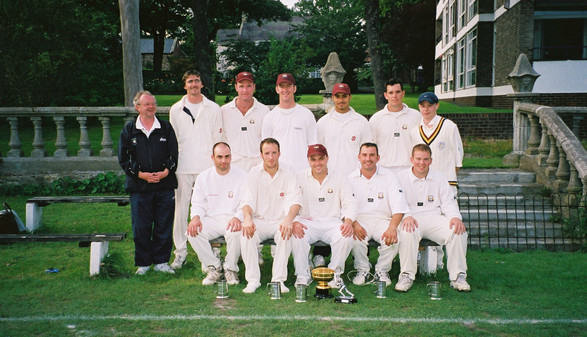 2002 - 1st XI - Saunders cup winners beating xxxx at Whitburn in the final