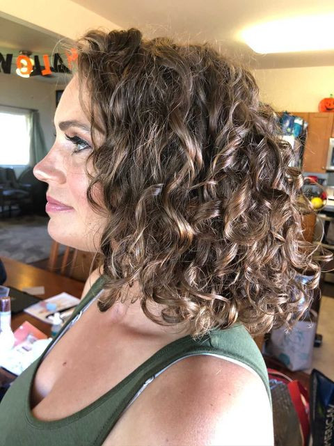 curly hair bridesmaids styles