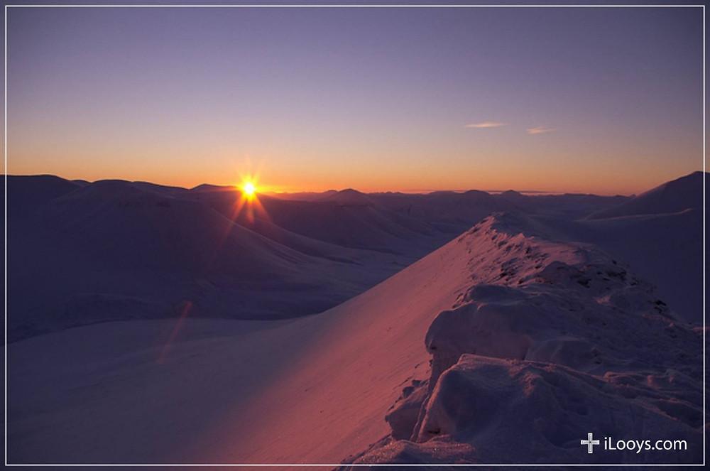 Rim of Sunrise, iLooys