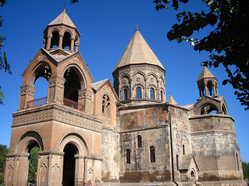 Cathedral Etchmiadzin, iLooys