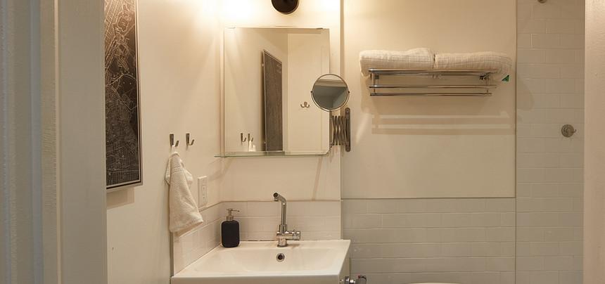 Bath_Toilet_Sink_181110_22_Gally___0313.