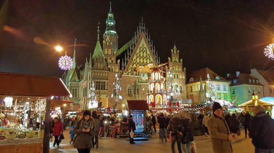 הכיכר הגדולה בוורוצ'לב פולין