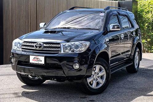 2010 TOYOTA FORTUNER 3.0V 4WD SUV พิมพ์นิยม