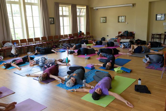 yoga-w6538.jpg
