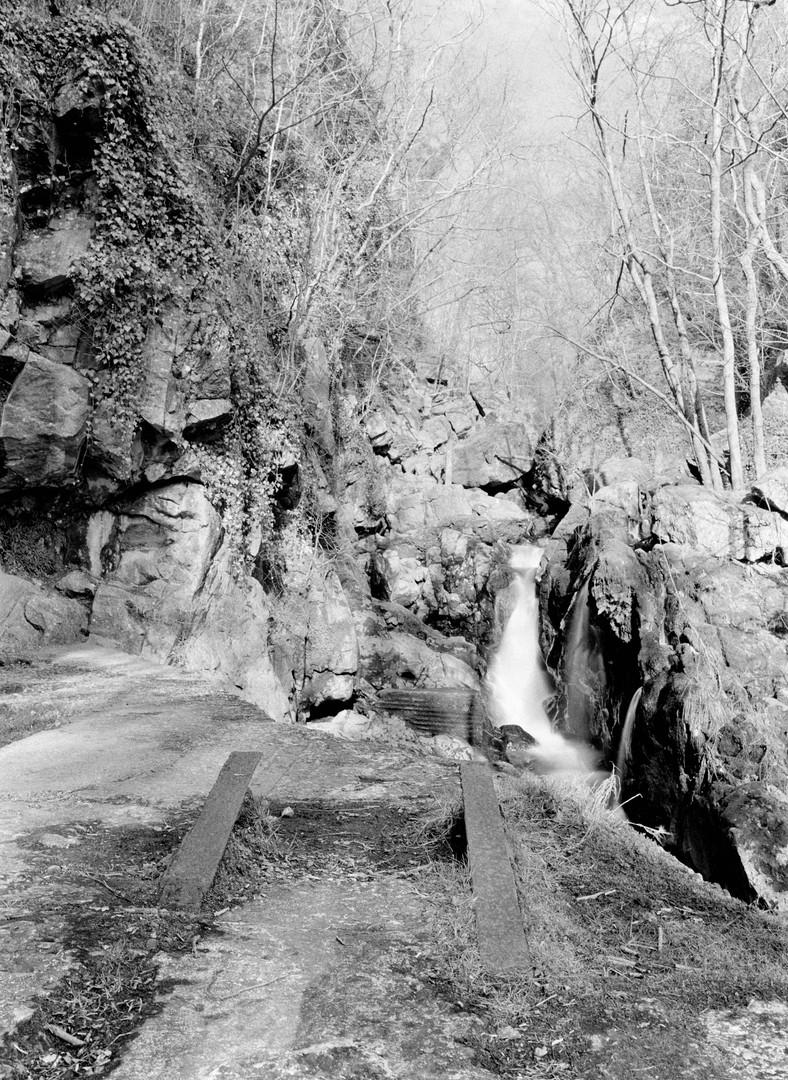 Sychryd_Waterfall.jpg