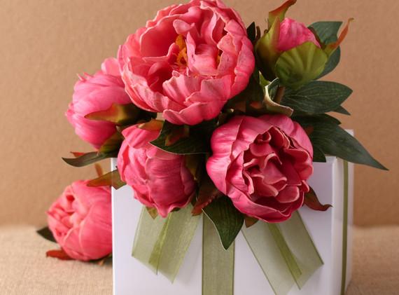 pinkflowerbox.jpg