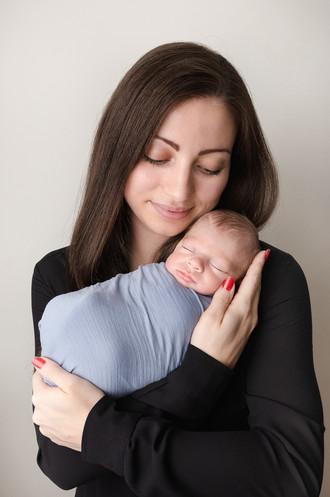 Newborn Photography Baby Brodie and Mummy Aylesbury baby photo shoot