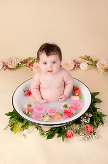 Baby Photography flower bath in Aylesbury Darcy
