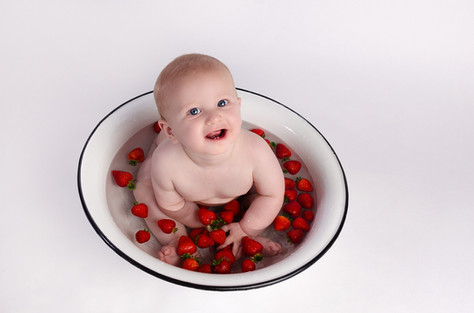 Baby Photography Fruit Bath in Buckingham Caleb
