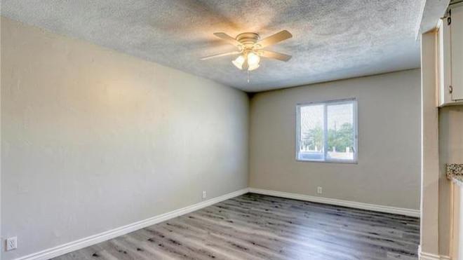 2233 Spruce Dining Room.jpg