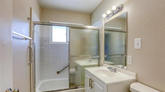 2233 Spruce Bath.jpg