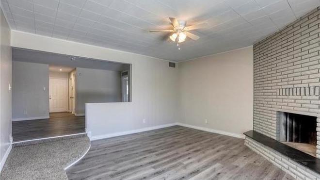 2233 Spruce Family Room.jpg
