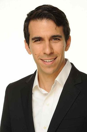 Daniel Effron