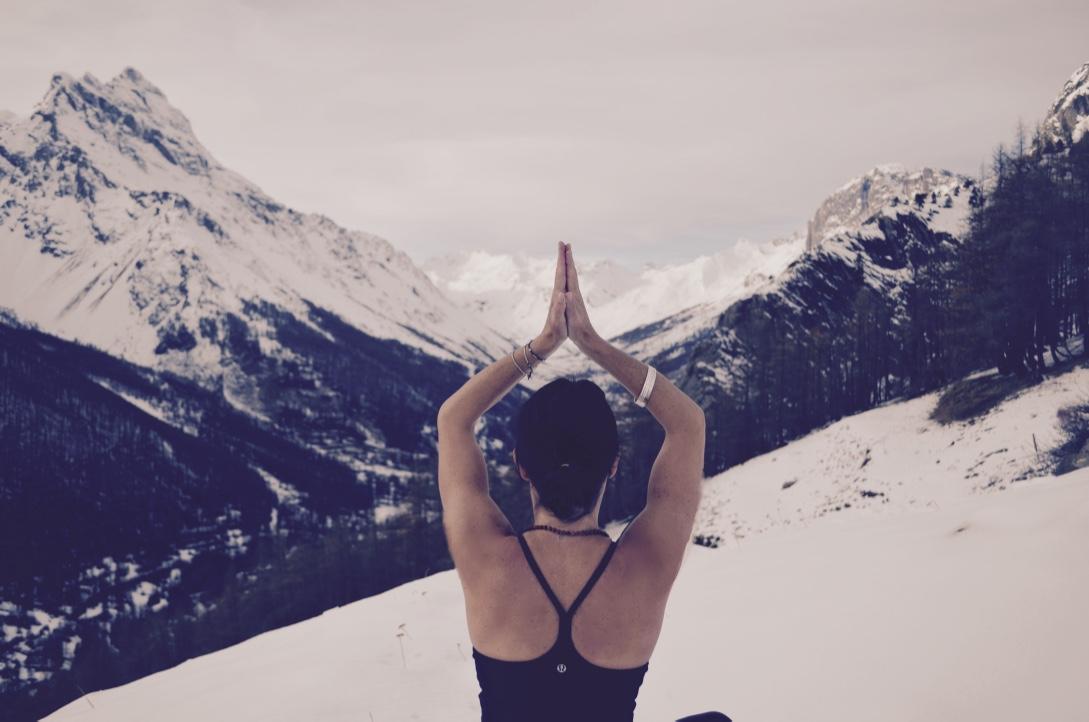 yoga montagne Alpes