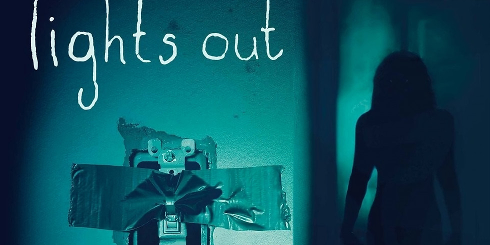 Haunted Farm - Halloween Cinema Scare Event - Lights Out (2016) (15)