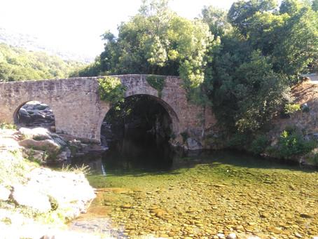El agua más fresca y clara de La Vera bien merece un chapuzón en algunas de sus 47 gargantas