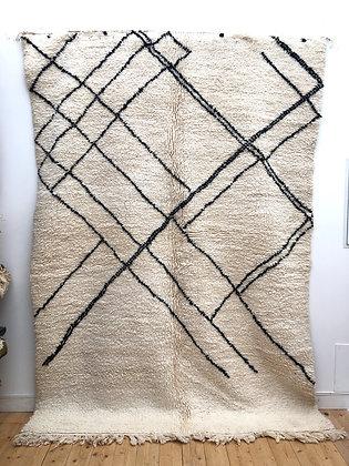 Tapis berbère Beni Ouarain à motifs graphiques noirs 2,82x2,01m
