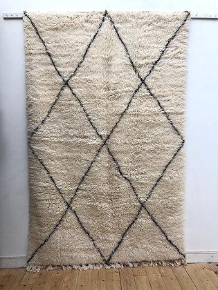 Tapis berbère marocain Marmoucha à losanges noirs 2,58x1,64m