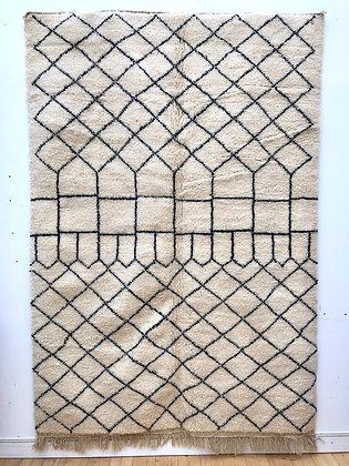 Beni Ouarain à motifs géométriques noirs 2,54x1,74m