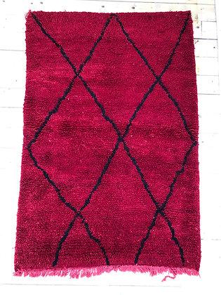 Tapis berbère Boujaad rouge à losanges noirs 1,71x1,13m