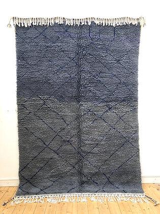 Tapis Beni Ouarain gris foncé et gris bleu à losanges bleu foncé 2,831,9
