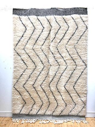 Tapis berbère Marmoucha à zigzags noirs 2,7x1,8m