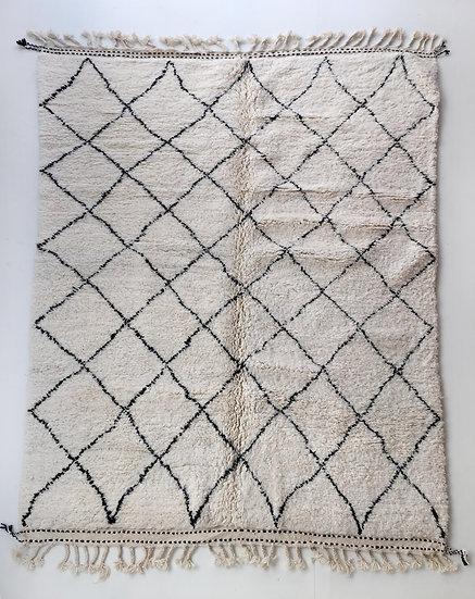 Tapis berbère Beni Ouarain écru à losanges noirs 2,84x2,14m