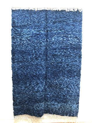 Tapis berbère Beni Ouarain chiné bleu uni 2,5x1,63m