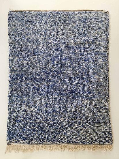 Tapis berbère Beni Ouarain moucheté bleu et écru 2,62x1,66m