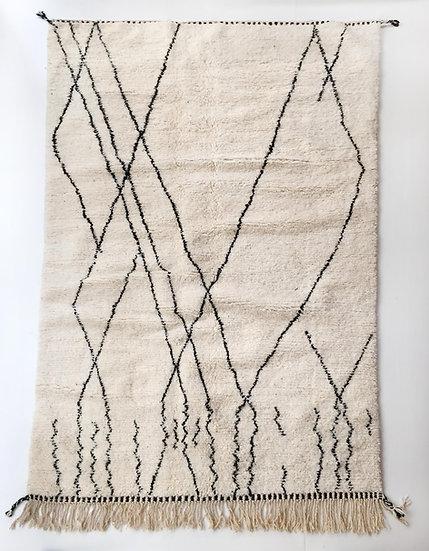 Tapis berbère Beni Ouarain écru à motifs noirs 2,62x1,56m