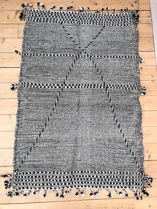 Tapis berbère Kilim Zanafi noir et blanc 1,53x1,03m