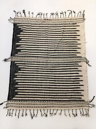 Kilim berbère Zanafi écru et noir 1,95x1,55m