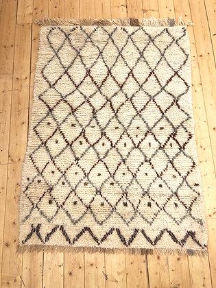 Tapis berbère Azilal à losanges et motifs berbères 1,72x1,26m