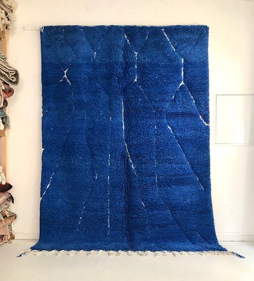 Tapis berbère Beni Ouarain bleu intense à motifs graves 2.85x2,06m