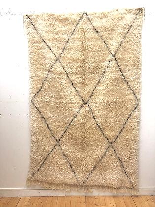 Tapis berbère Marmoucha à losanges noirs 2,52x1,6m