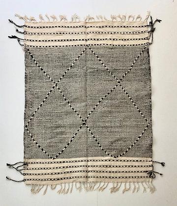 Kilim berbère Zanafi écru et noir 1,9x1,47m