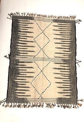 Kilim berbère Zanafi noir et blanc 1,9x1,40m