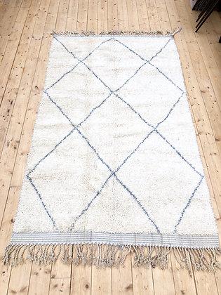 Beni Ouarain 2,47x1,48 écru à losanges gris clair