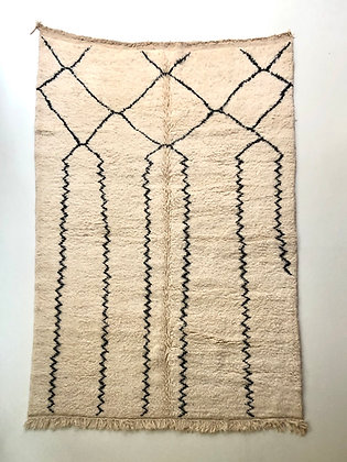 Tapis berbère Beni Ouarain à motifs graphiques noirs 2,43x1,65m