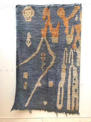 Tapis berbère Boujaad bleu ciel à motifs beige et orange 2,39x1,48m