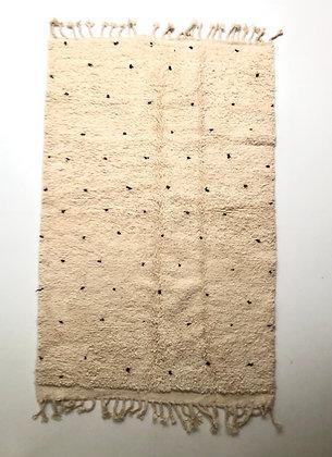 Tapis berbère Beni Ouarain à pois noirs 2,31x1,42m