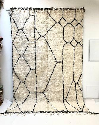 Tapis berbère Beni Ouarain à motifs graphiques noirs 3,09x1,99m