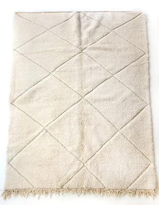 Tapis berbère Beni Ouarain écru uni à motifs géométriques gravés 2,85x2m